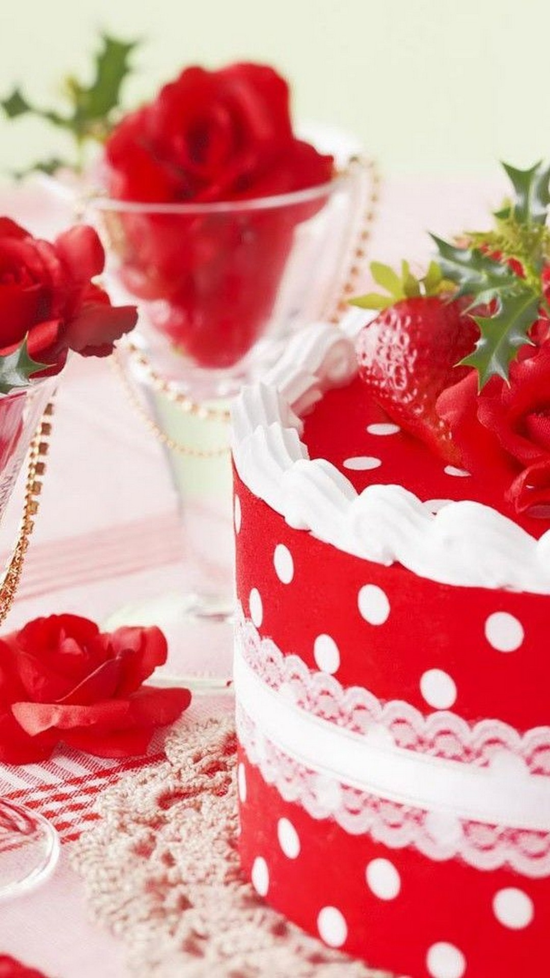Strawberry Cake HD Wallpapers For Android
